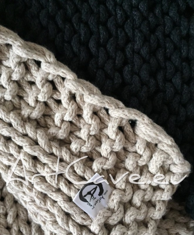 cotton-rope knitted rug - dywan ze sznurka robiony na drutach